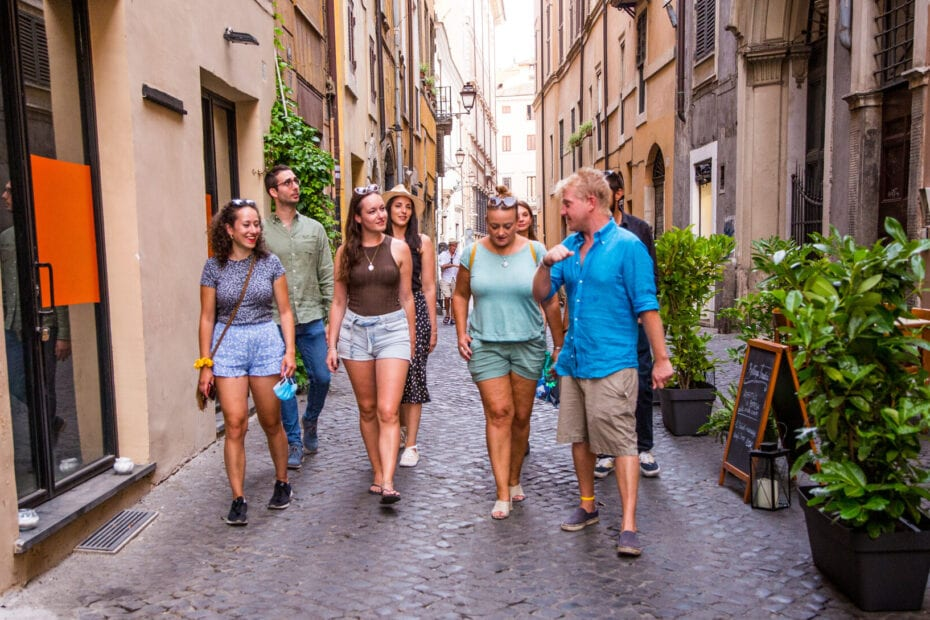 Jewish Ghetto Walking Tour - tour guides and group