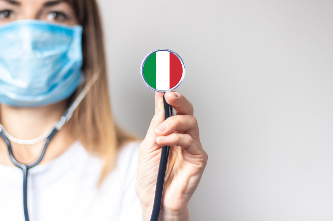 Covid-19 Italy doctor with tricolor flag